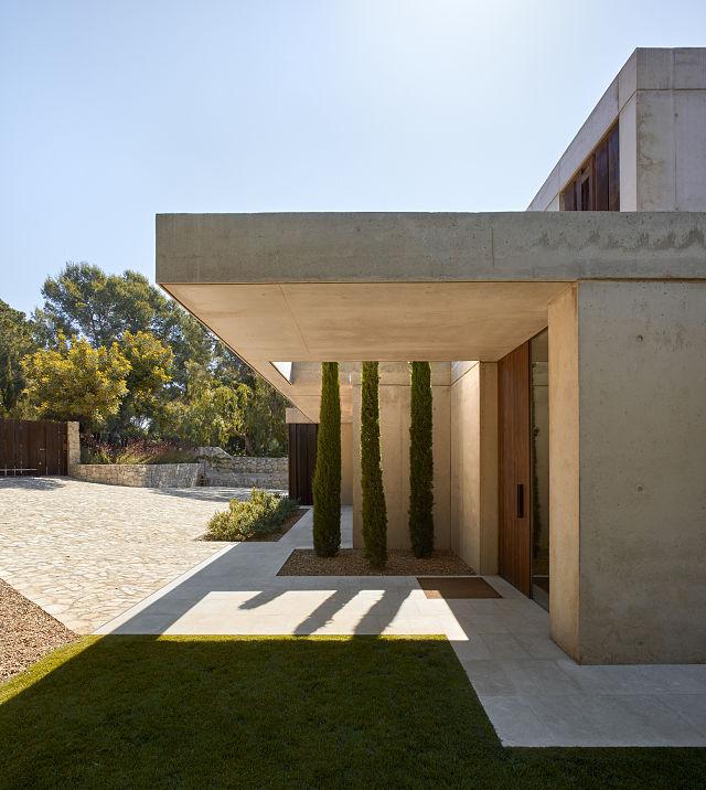 acceso a la casa en la Pinada