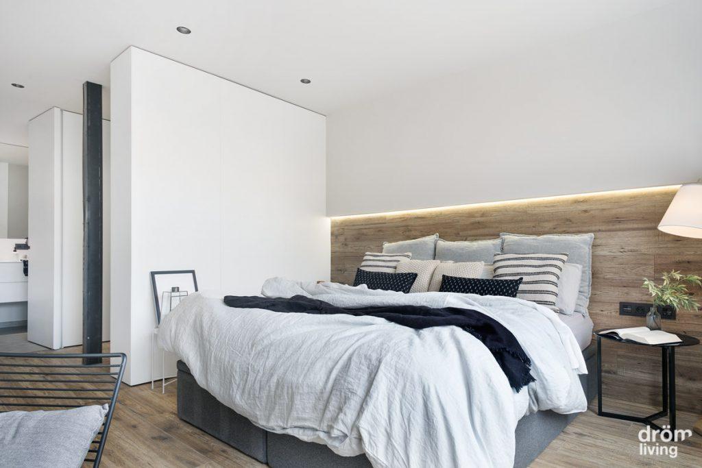 dormitorio reformado en vivienda en Barcelona