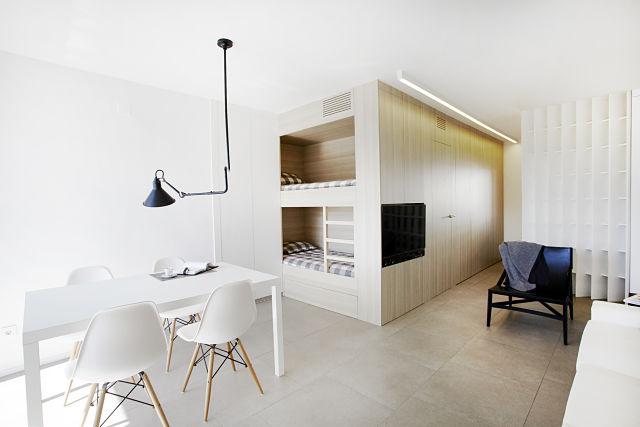 Diseño interior eficiente con espacio bien aprovechado