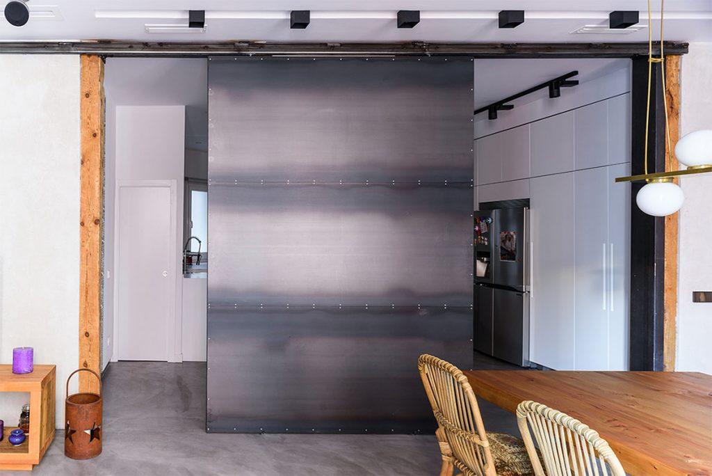 tabique de acero en reforma de un piso en Madrid