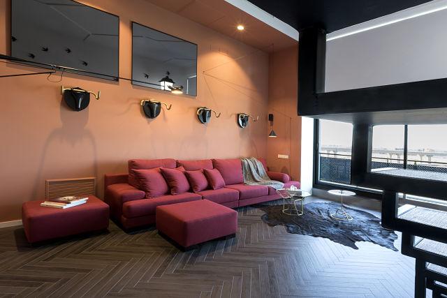 Salón de un loft de diseño