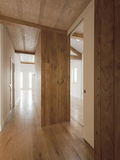 Interiorismo r stico en muros for Interiorismo rustico