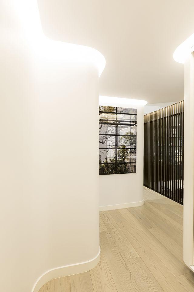 Decoraci n de interiores de una vivienda contempor nea en - Curso decoracion de interiores madrid ...