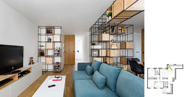 Vista de salón con estantería de diseño