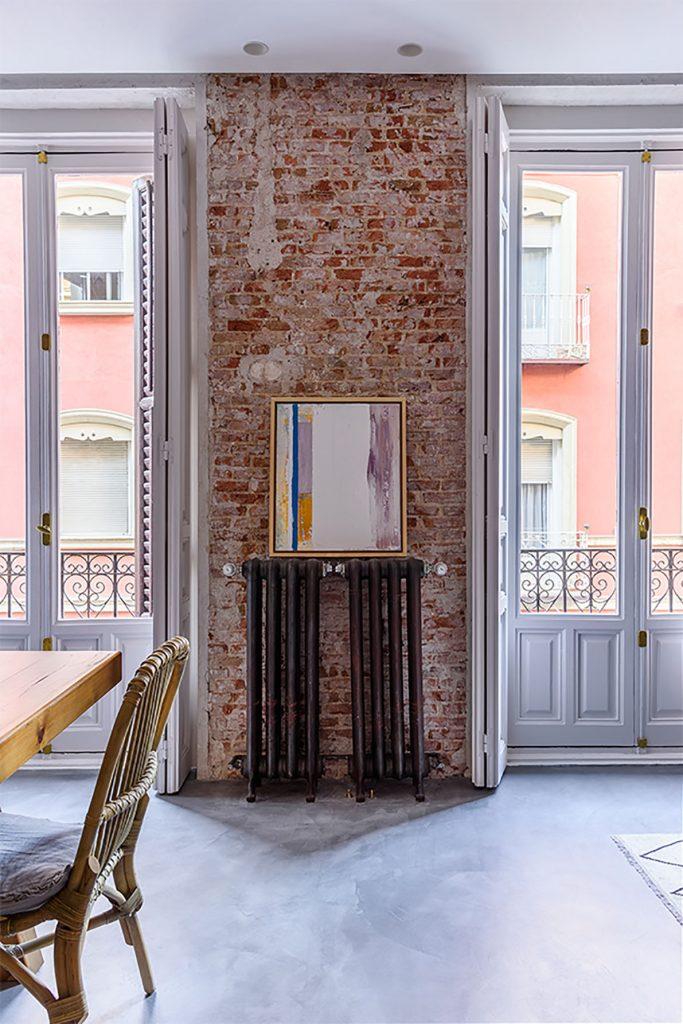 ladrillo visto en reforma de un piso antiguo en Madrid