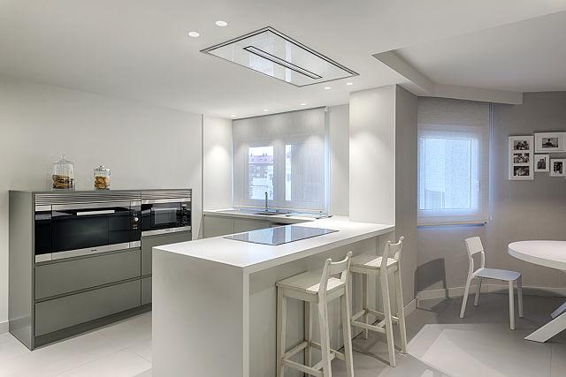 Cocina de diseño en reforma de vivienda en Valencia