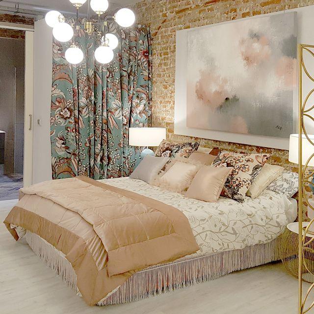 Decoración de apartamento con dormitorio femenino