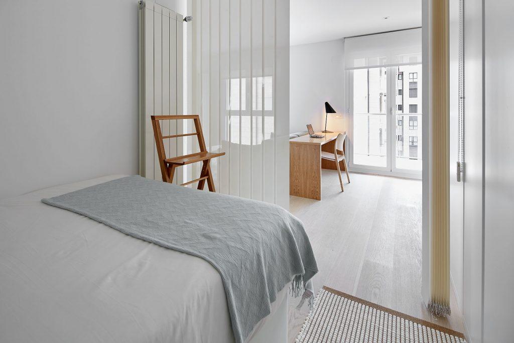 Mobiliario para dormitorio al decorar un mini piso