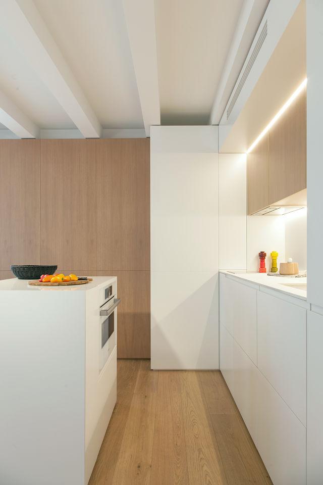 Cocina en la reforma de un mini apartamento