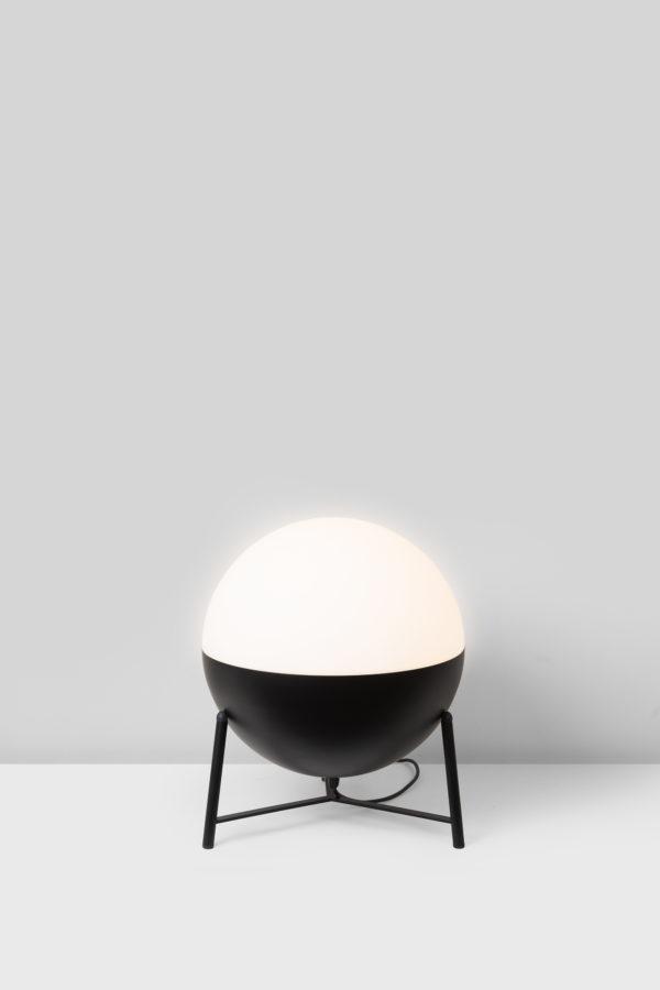 Lámpara half bola pequeña con trípode pequeño