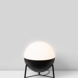 Lámpara half bola mediana con trípode pequeño de Milán iluminación