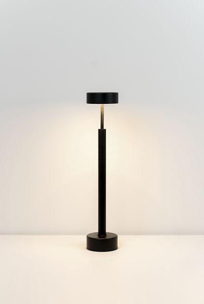 Lámpara sobremesa Peak negro de Milán Iluminación