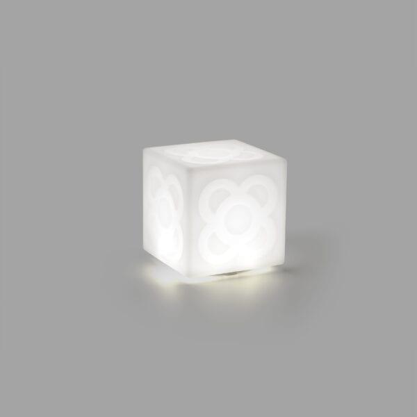 Lampanot lámpara portátil de Faro Barcelona
